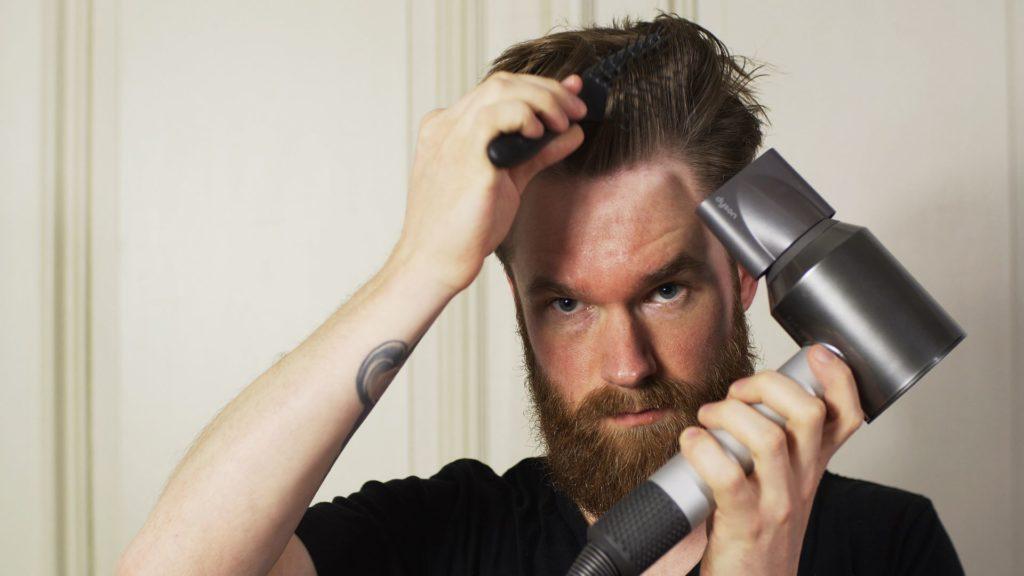 Haarstyling Routine: Haare Föhnen